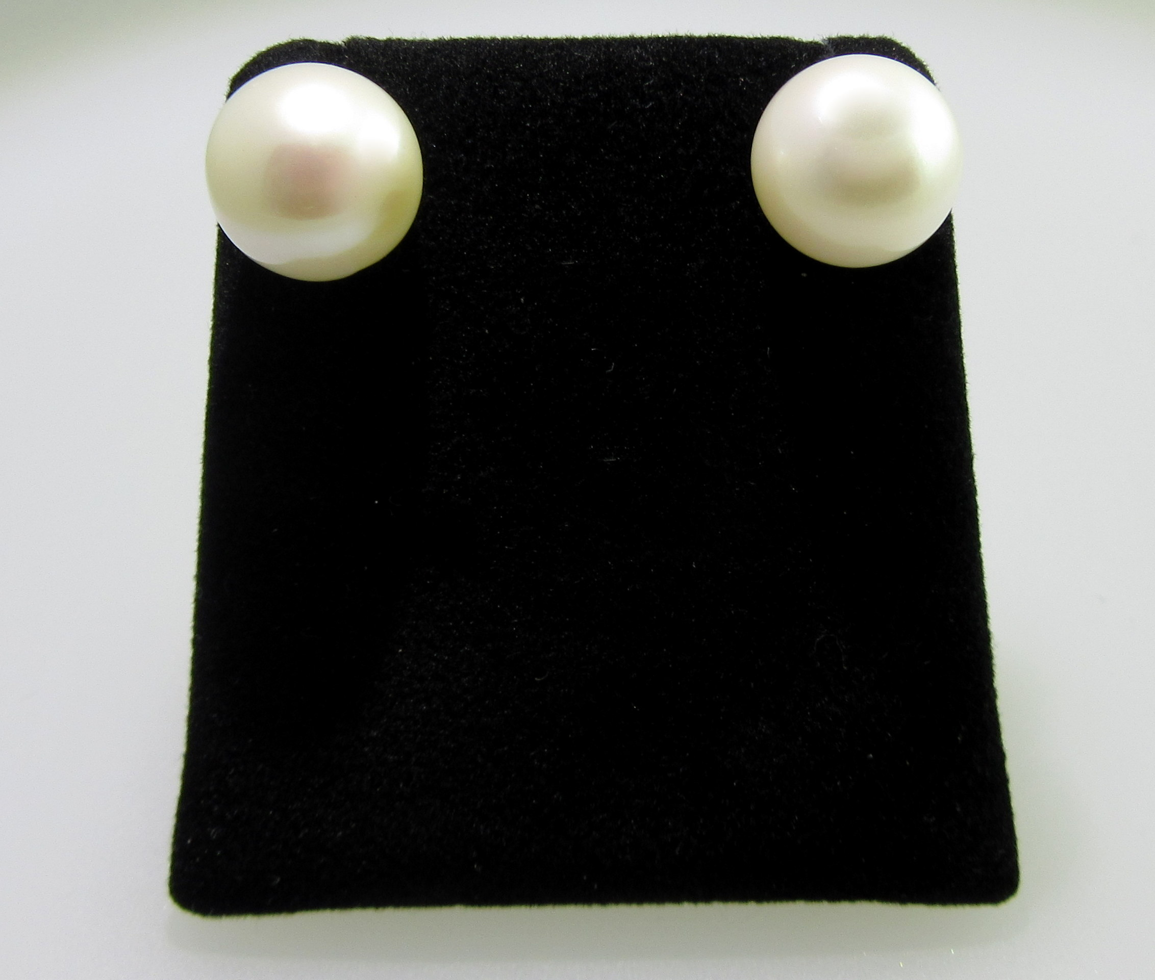 Japanese Akoya Pearl Stud Earrings