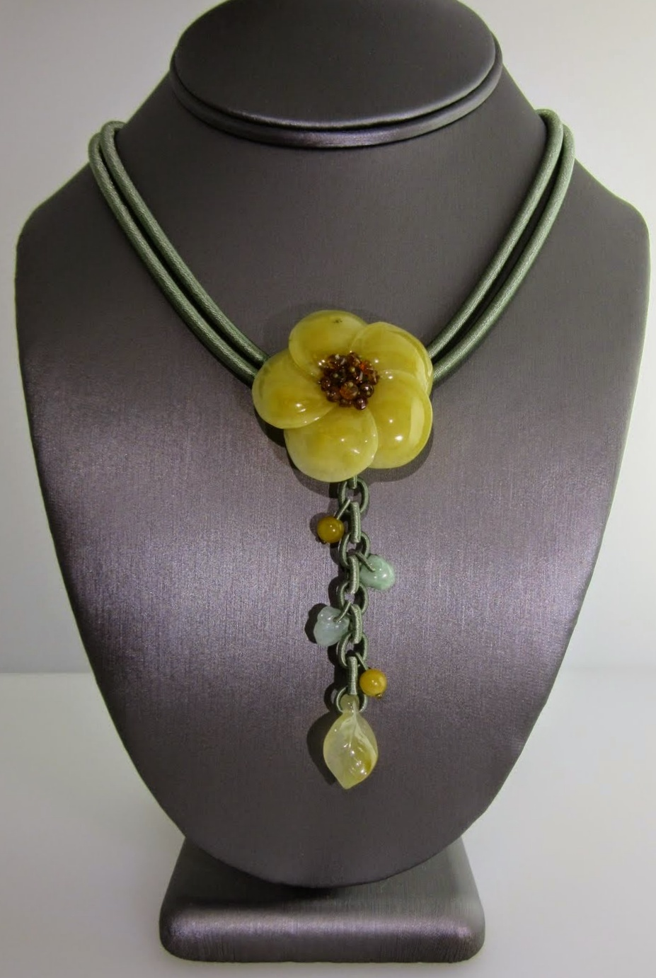 Flower Solo Necklace