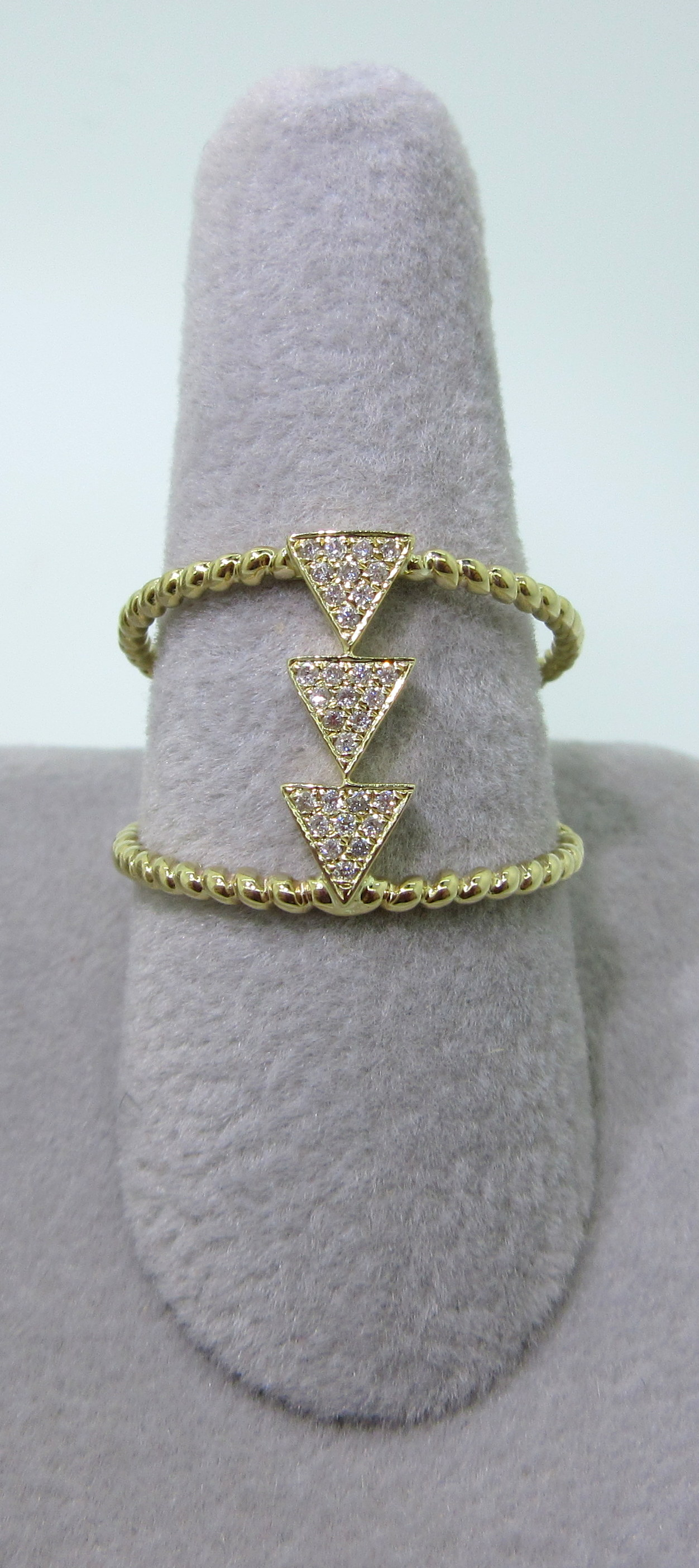 Diamond Arrows Ring