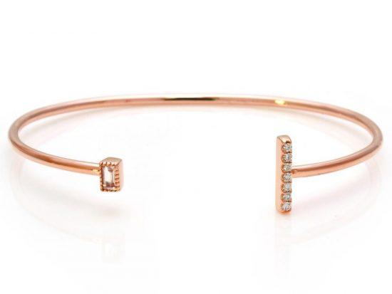 TIMELESS DESIGNS - Diamond Bracelet with Moonstone