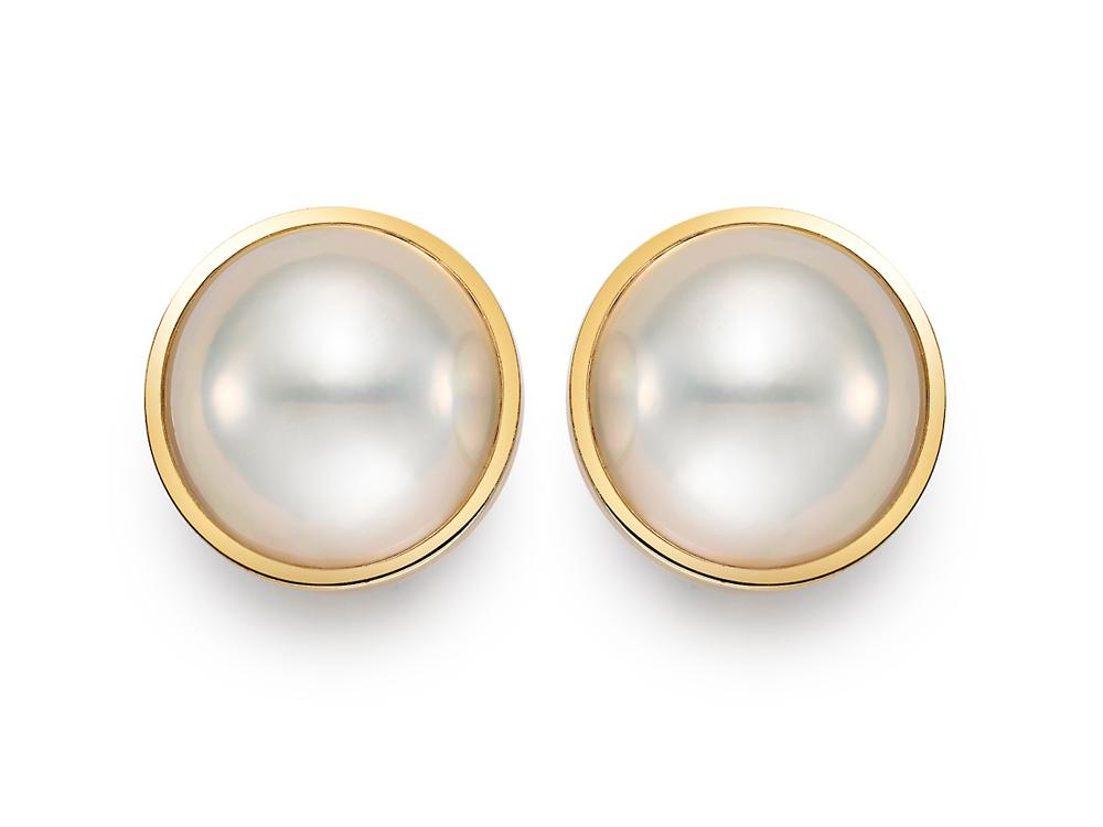 MASTOLONI - 18K Yellow Gold 15.5MM White Round Mabe Pearl Clip/Lever Back Earring
