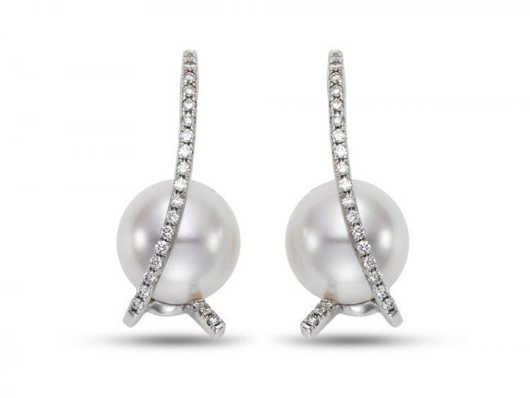MASTOLONI - 18K White Gold 10.5MM White Round South Sea Pearl Earring with 44 Diamonds 0.36 TCW
